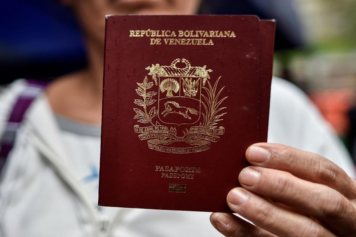 Pasaportes ordinarios para mayores de edad tendrán vigencia de 10 años