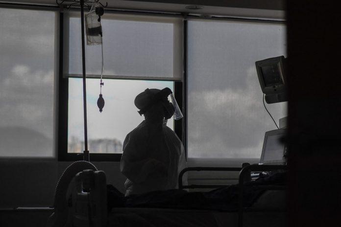 Piden declarar emergencia nacional ante las muertes de trabajadores sanitarios por covid-19