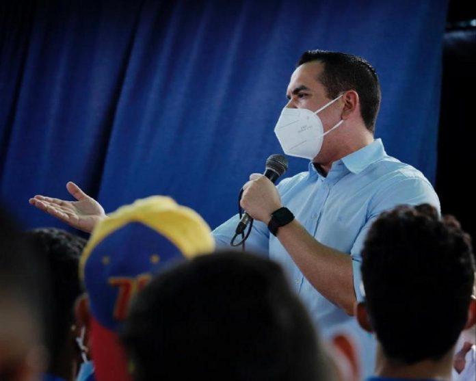 Diputado José Antonio Mendoza exige el ingreso de vacunas