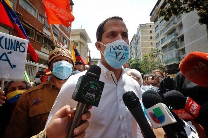 Juan Guaidó desde la protesta del sector salud: