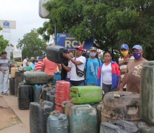 Pescadores entregan 6 kilos de su producción por 35 litros de gasolina en Zulia