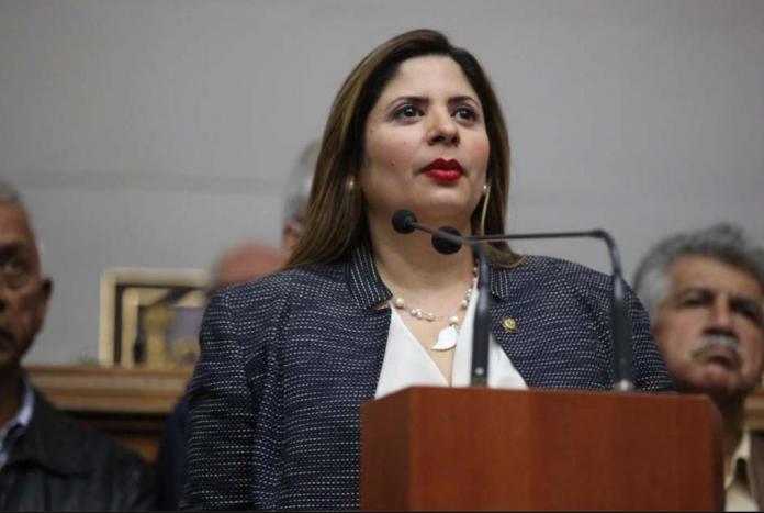 Nora Bracho: Aumento de salario es usado para controlar y mantener el hambre