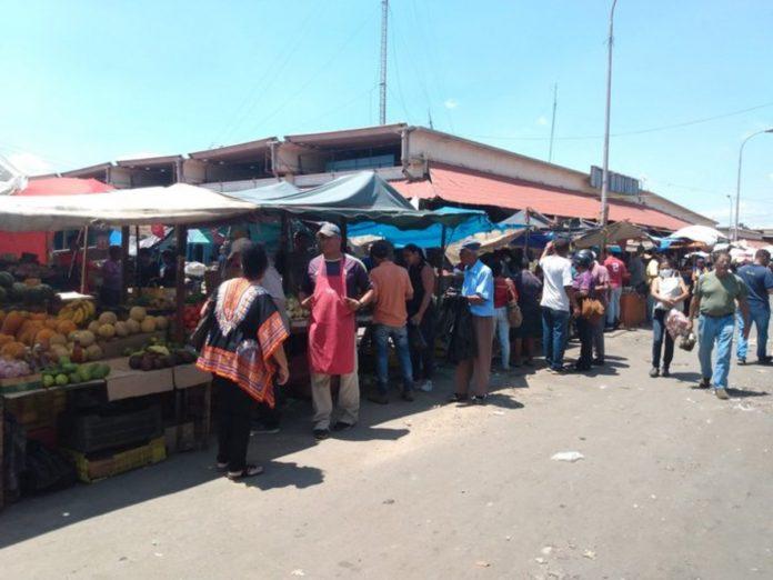 Los comerciantes del mercado Las Pulgas encontraron un nuevo lugar para sus ventas, a pesar del repunte por covid-19