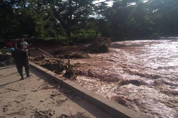 Un hombre y una niña murieron tras el desbordamiento de un río en Machiques