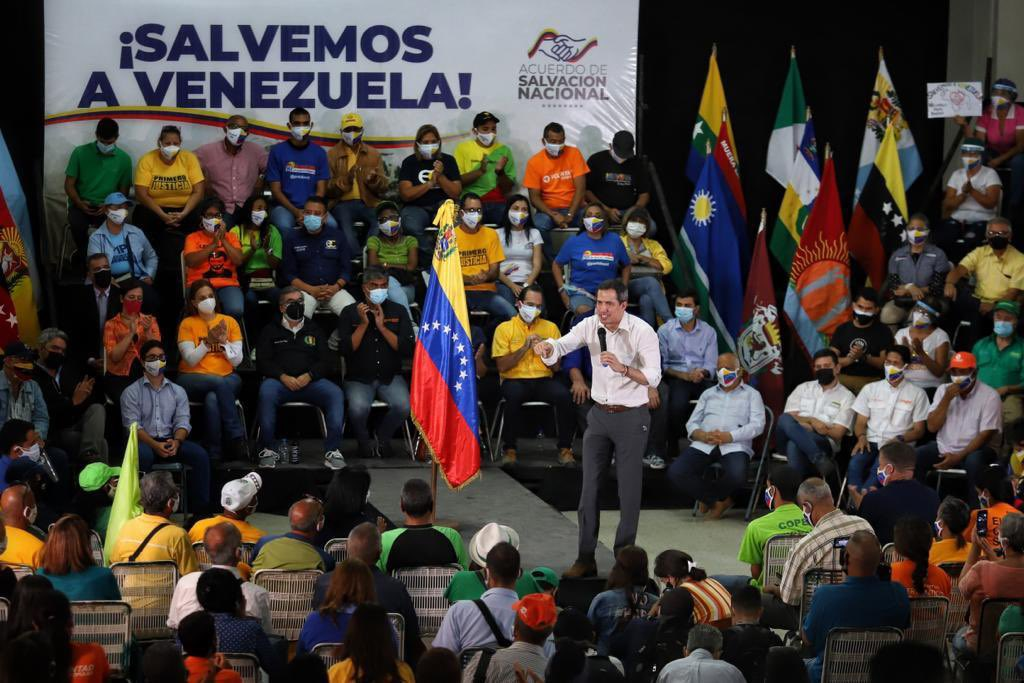 """""""Aquí hay unidad y de sobra"""", Guaidó presentó el Plan Salvemos a Venezuela"""