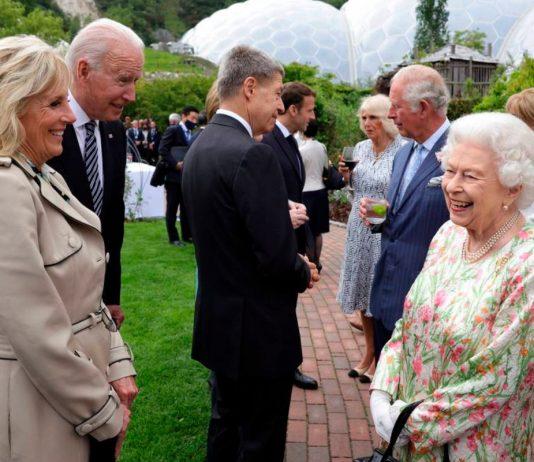 Reina Isabel y Joe Biden