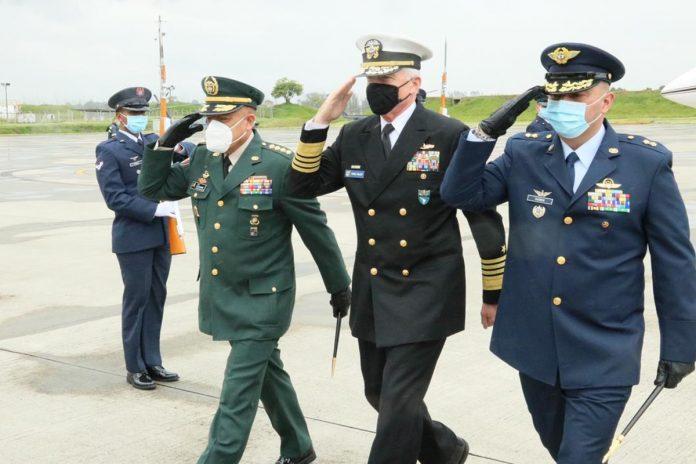 Jefe del Comando Sur de EE UU llegó a Colombia para afianzar el trabajo multilateral