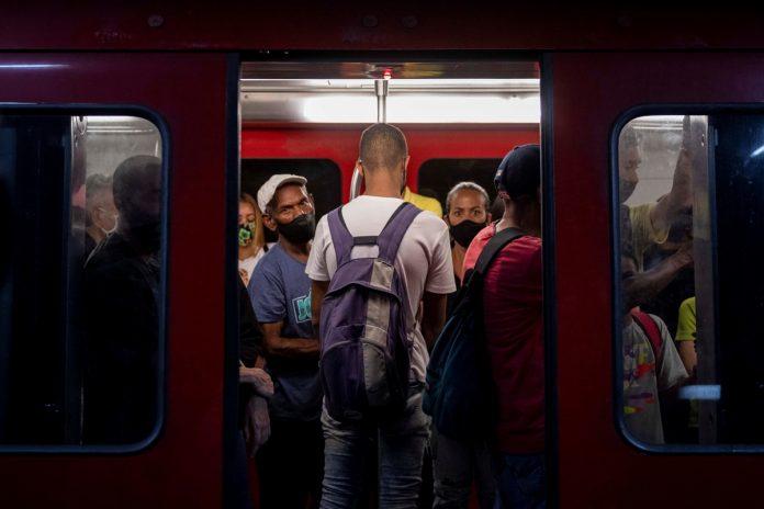 El Metro de Caracas se convirtió en el principal lugar de contagio de coronavirus-La Falla