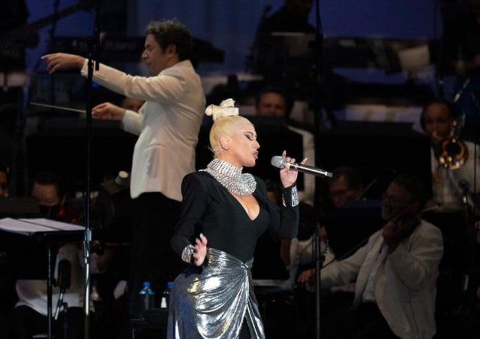 Tudamel and Christina Aguilera