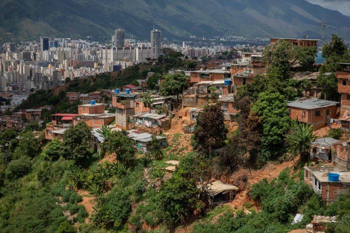 """Diputado chavista pidió una """"revisión profunda"""" de las zonas de paz"""