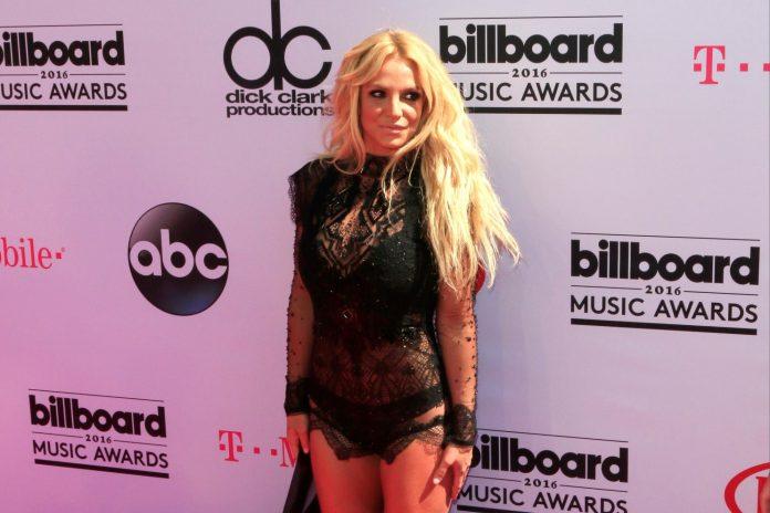 Britney Spears, El Nacional