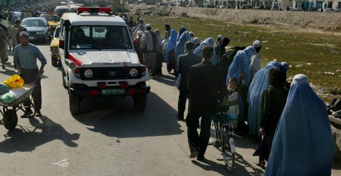 Funcionario de EE UU asegura que mayoría de aliados afganos quedaron atrás