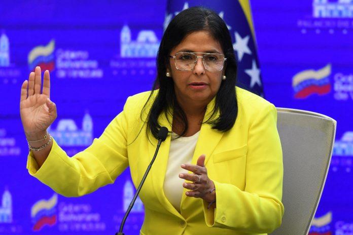 Delcy Rodríguez: La oposición pagará por empujar a los venezolanos a la migración precaria