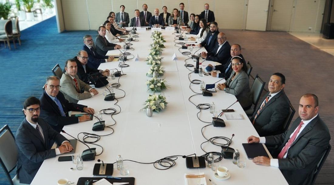 Diálogo Gobierno y oposición