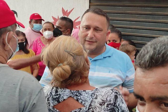 Renunció el alcalde chavista de La Cañada de Urdaneta en Zulia