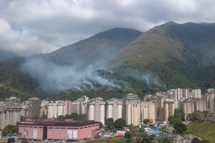 Explosiones afectaron el servicio eléctrico en zonas de Caracas